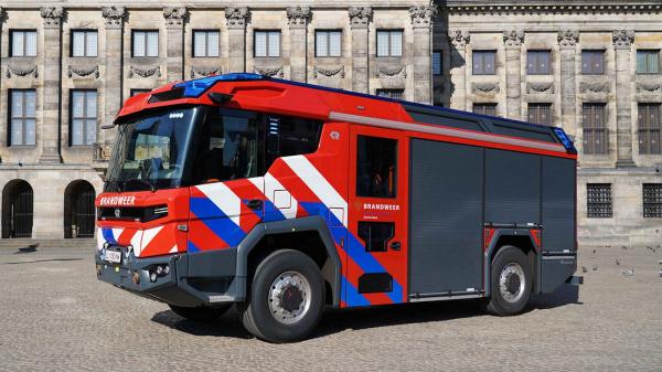 De eerste elektrisch brandweer in Nederland rijdt in Amsterdam-Amstelland