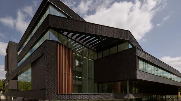 Duurzaam en innovatief kantoor opgeleverd in Eindhoven