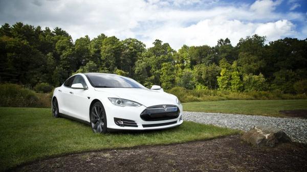 Kies voor groen, en ga zakelijk elektrisch rijden