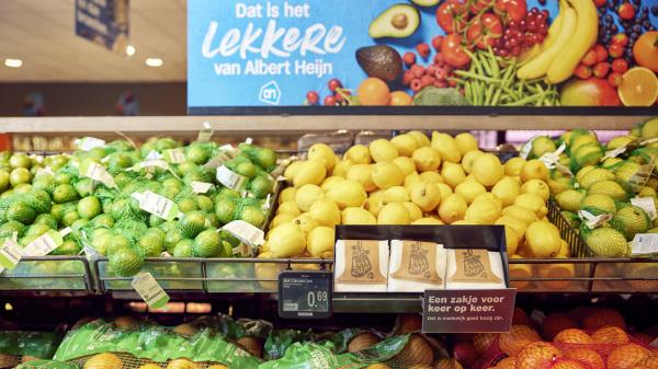 Albert Heijn schaft plastic zakjes voor groente en fruit af