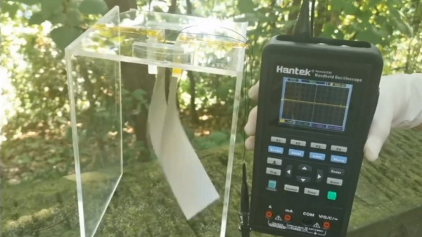 Dit apparaatje kan windenergie opwekken uit de bries die je maakt als je loopt