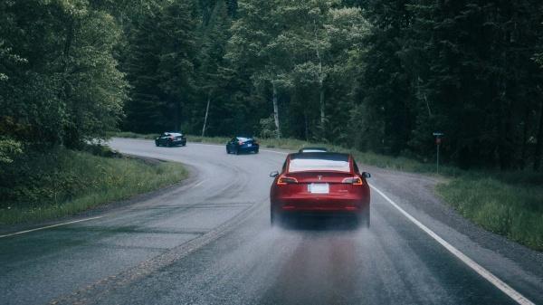 Onderzoek naar ervaringen van rijders elektrische voertuigen