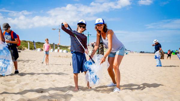 In augustus weer de héle Noordzeekust schoon